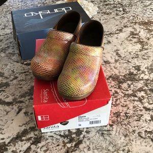 Clogs/nursing shoes